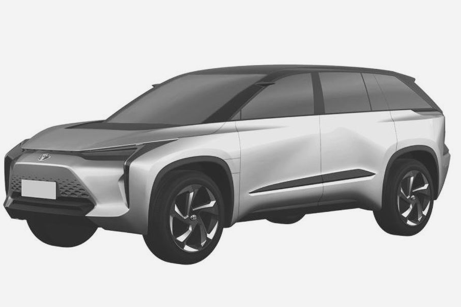 Появились изображения новых электрических кроссоверов Toyota