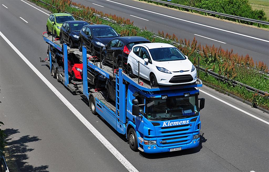 Как лучше привезти автомобиль: перегон или автовоз