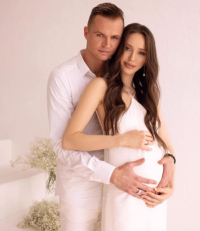 Пополнение в семье Тарасова и Костенко