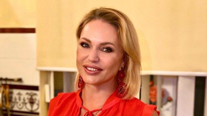 Анна Давлатова