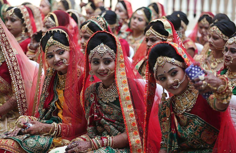 Девушки в Индии